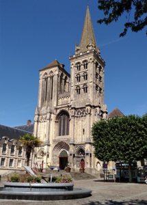 place et cathedrale de lisieux