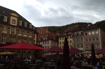 place heidelberg dans le bade wurtemberg en allemagne avec schloss