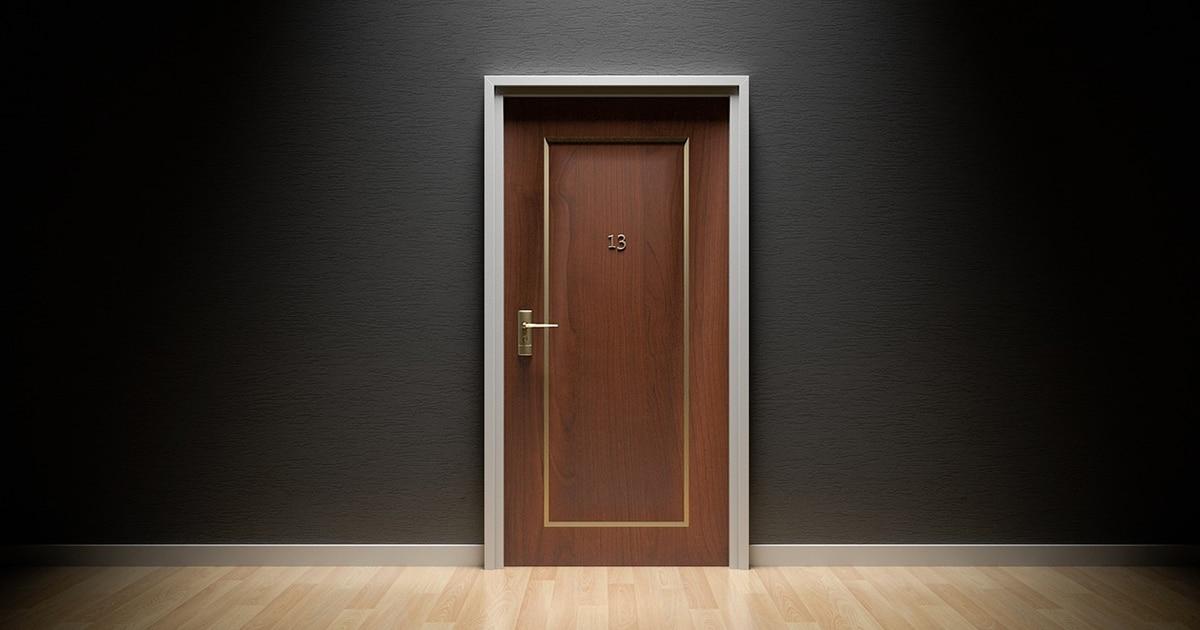 ouvrir une porte claquee facilement