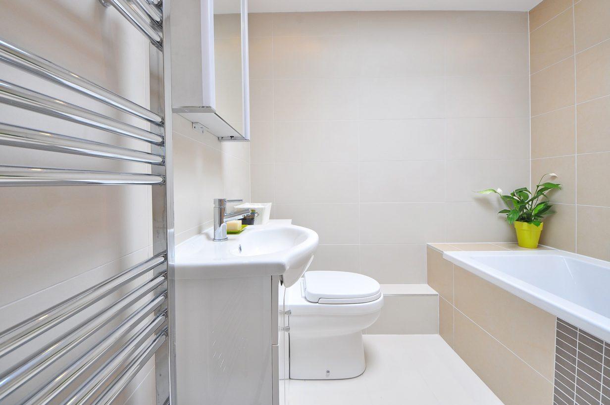 Idées brico pour faire de la place dans la salle de bain