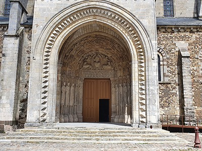 porte de la cathedrale Saint julien