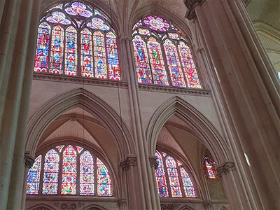 vitraux cathedrale le mans